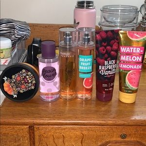 Bath and body works bundle !! Perfect deal !!